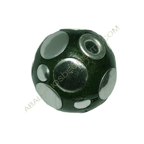 Bola de Indonesia verde con lunares