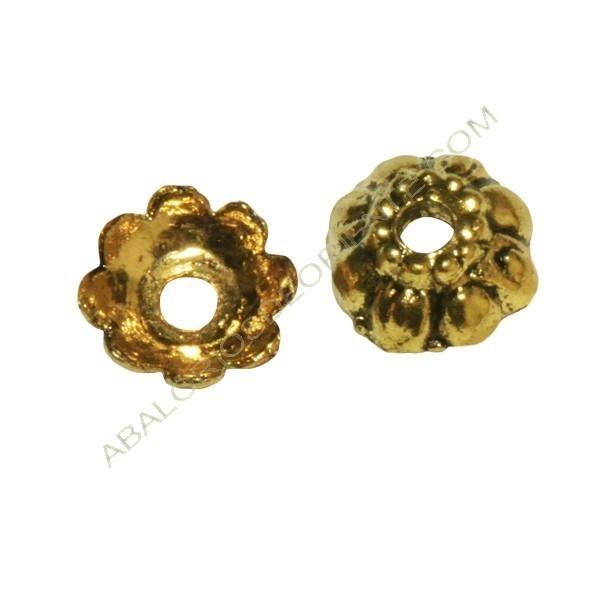 Bolsa de 50 unidades de entrepiezas de Zamak capuchón flor oro viejo 10 mm