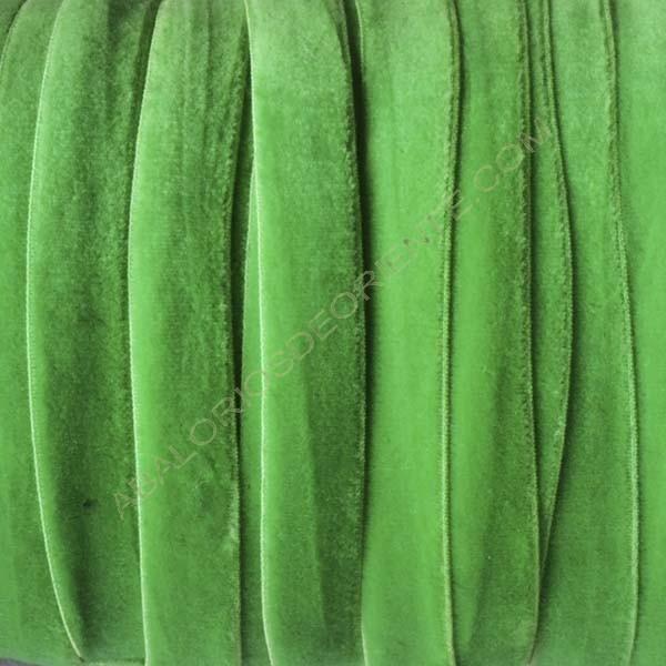 Cinta de terciopelo elástico verde