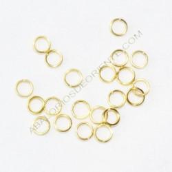 Argolla abierta simple de 5 mm dorada