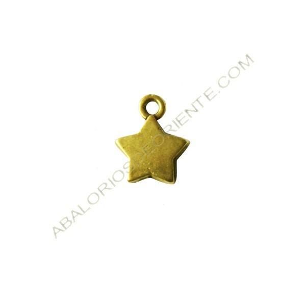 Colgante estrella dorada