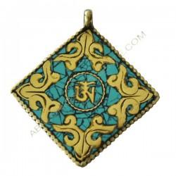 Colgante amuleto tibetano cuadrado