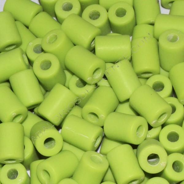 Cuenta acrílica tubo verde 14 x 11 x 11 mm