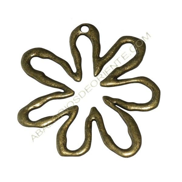 Colgante flor bronce 64 x 62 x 2 mm