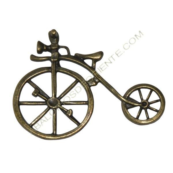 Colgante de Zamak bicicleta bronce 51 x 69 x 8 mm