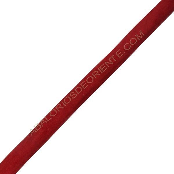 Terciopelo regaliz rojo