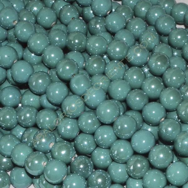 Bola de cerámica titanizada esmeralda de 10 x 10 mm.