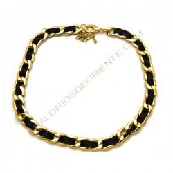 Collar de cadena dorada de Zamak y cinta negra