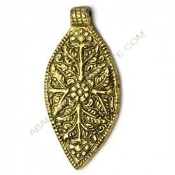 Colgante indio de metal oro viejo lanceolado