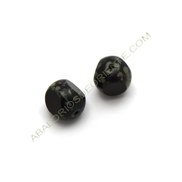Cuenta de cristal de Bohemia bola cortada tres caras negra de 12 mm