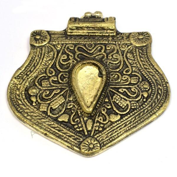 Colgante de metal oro viejo centro resina
