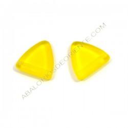 Triángulo de cristal de Bohemia 12 x 12 mm amarillo opaco