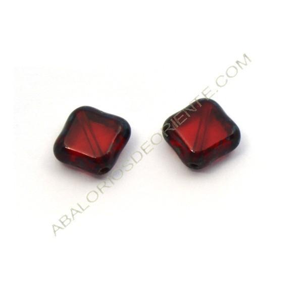 Cuenta de cristal de Bohemia rombo plano rojo rubí 11 mm