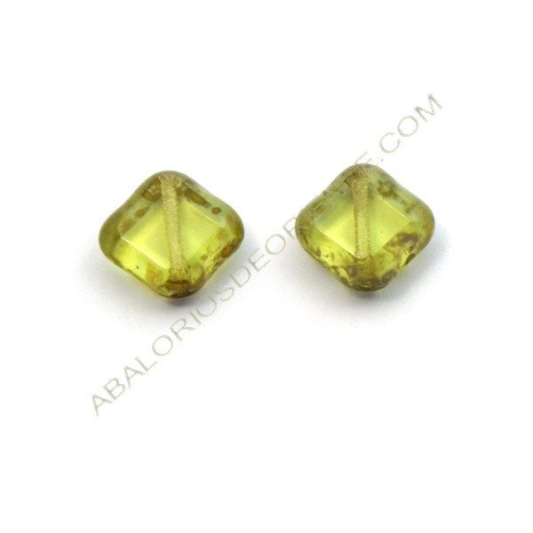 Cuenta de cristal de Bohemia rombo plano verde 11 mm