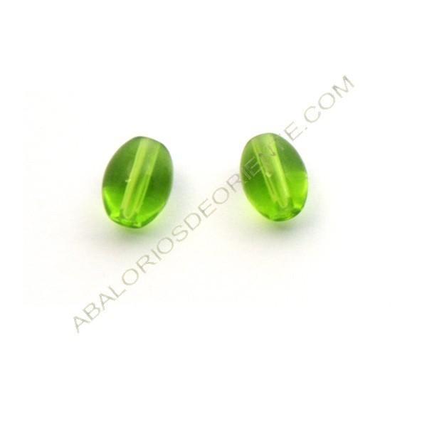 Cuenta bola ovalada de cristal de Bohemia verde