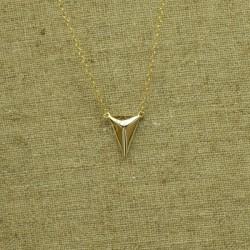 Cadena de plata 925 chapado en oro con triángulo