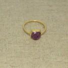 Anillo de plata 925 chapado en oro con piedra semipreciosa cuadrada. Talla 16