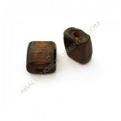 Cuenta de cristal de Murano cuadrada plana irregular marrón opaca