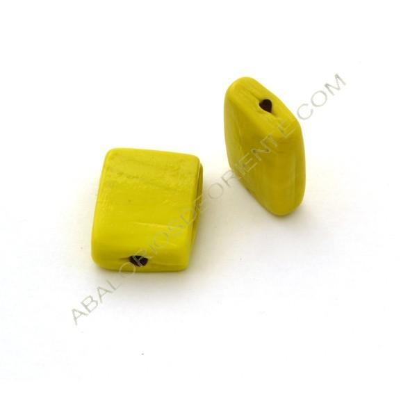 Cuenta de cristal de Murano rectangular plana opaca amarilla 26 x 20 x 9 mm