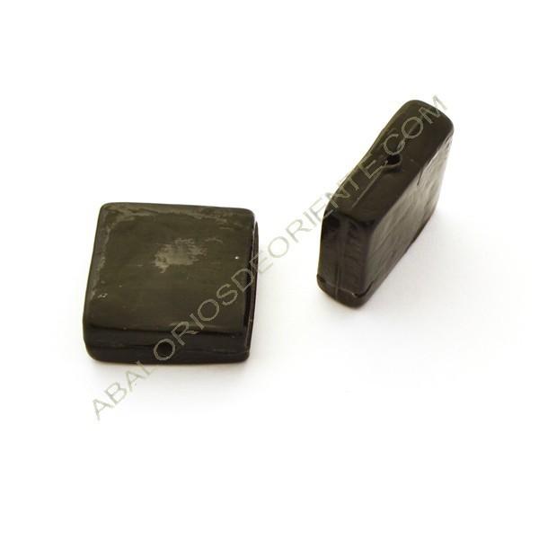 Cuenta de cristal de Murano cuadrada plana negra opaca. 26 x 26 x 9 mm