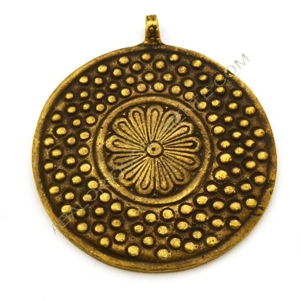 Colgante de bronce redondo 73 x 69 x 7 mm