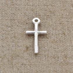 Charm de plata 925 cruz lisa de 14 mm