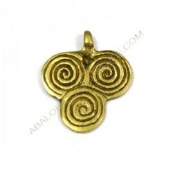 Colgante de bronce tres espirales