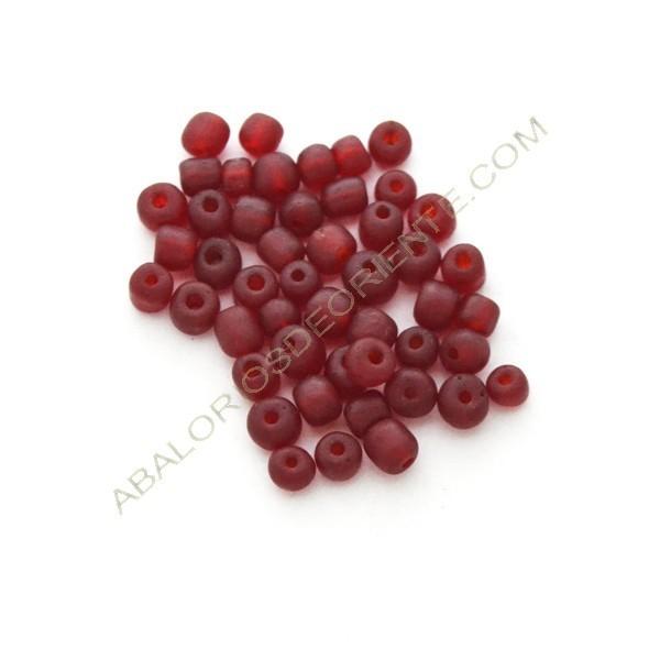 Cuenta de vidrio reciclado tonel roja 4-6 x 4-6 mm