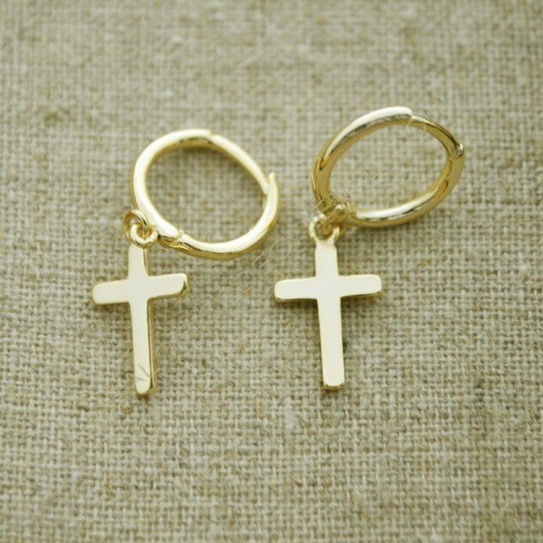 Pendientes de plata 925 chapados en oro círculo con cruz