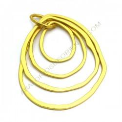 Colgante de aleación de Zinc dorado mate cuatro aros