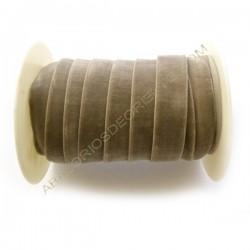 Cinta de terciopelo elástico topo de 20 mm