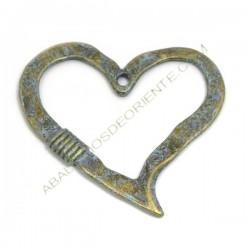 Colgante corazón de aleación de Zinc efecto bronce envejecido