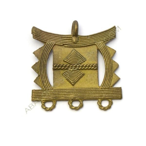 Colgante de bronce 5. 45 x 43 x 2 mm