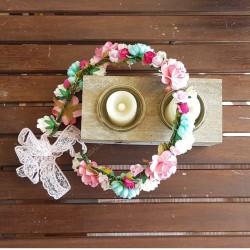 Corona flores papel verde y rosa