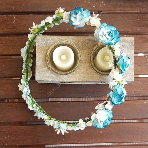 Corona flores papel azules y crudas