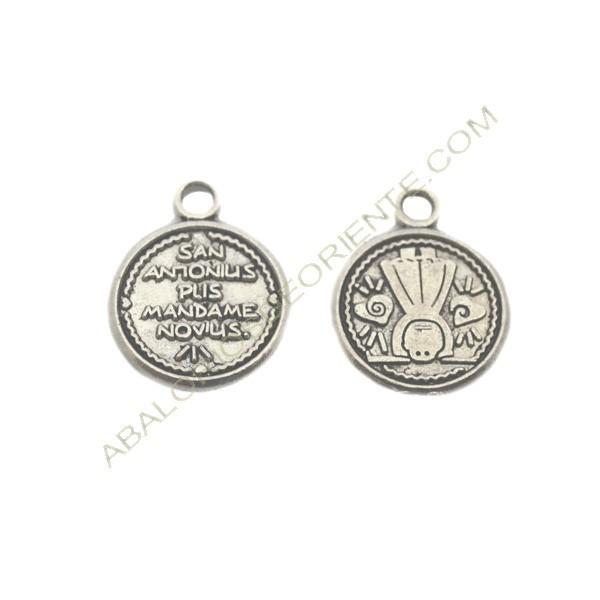 Medalla de metal redonda plateada de San Antonio