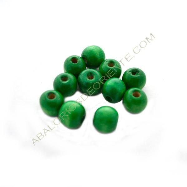 Cuenta de madera bola achatada verde 10 x 12 mm
