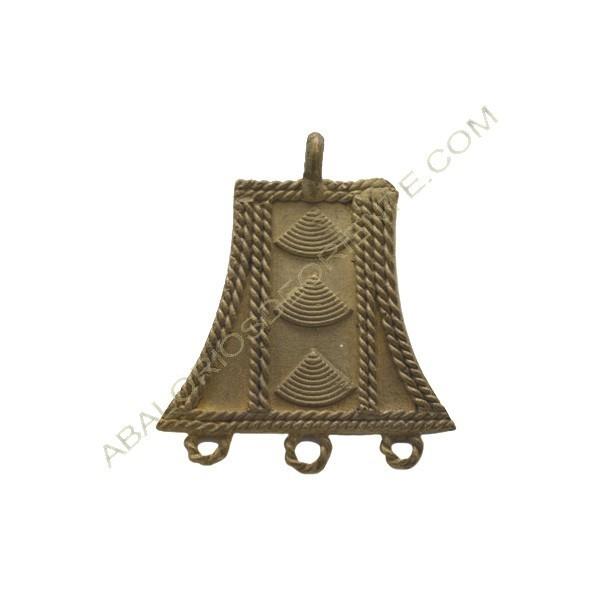 Colgante de bronce 15. 50 x 42 x 3 mm