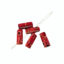 Cuenta de madera tubo roja decorada de 12 x 5 mm