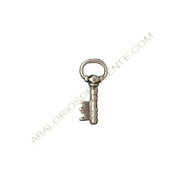 Colgante de aleación de Zinc llave 22 x 10 mm plateado