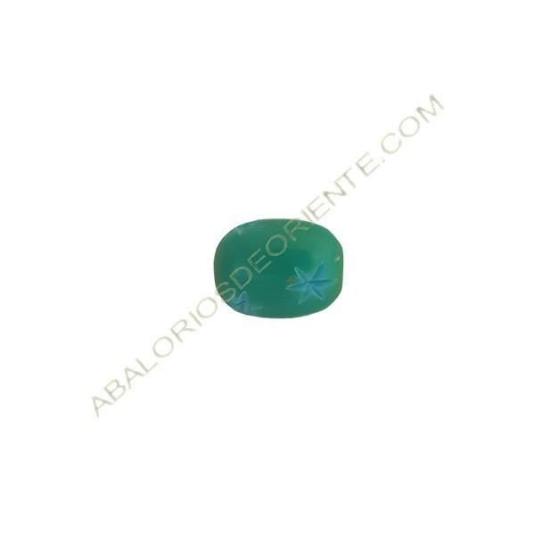 Asta de cuerno ovalada 14 x 18 mm verde con estrellas