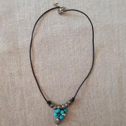 Collar cuero, metal y turquesa