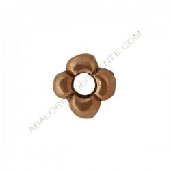 Entrepieza aleación de Zinc flor 12 x 12 mm bronce