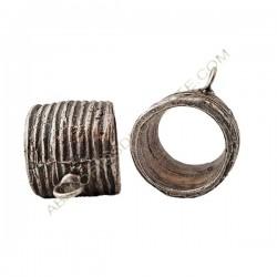 Entrepieza de de aleación de Zinc tubo con anilla 37 x 22 mm plateado
