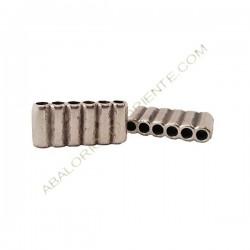 Entrepieza aleación de Zinc seis agujeros 12 x 26 mm plateada