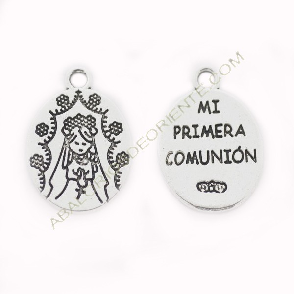Medalla de metal ovalada niña Primera Comunión plateada 2