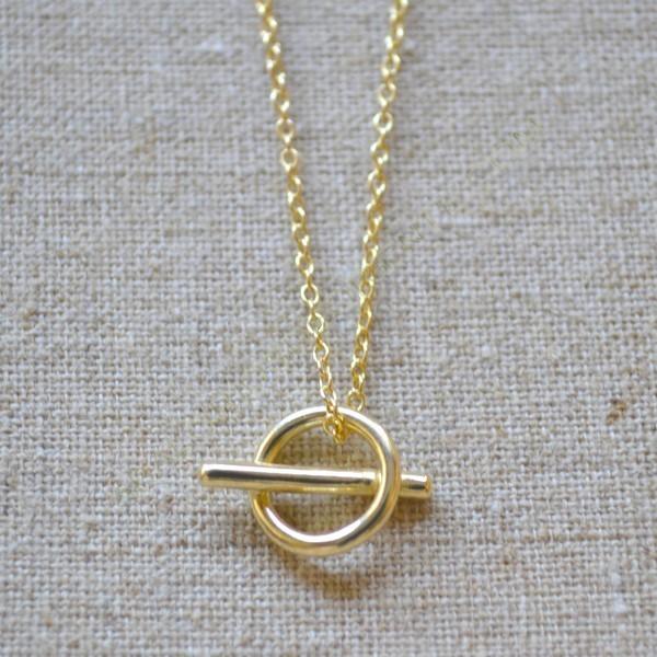 Cadena de plata 925 chapada en oro con círculo y barra