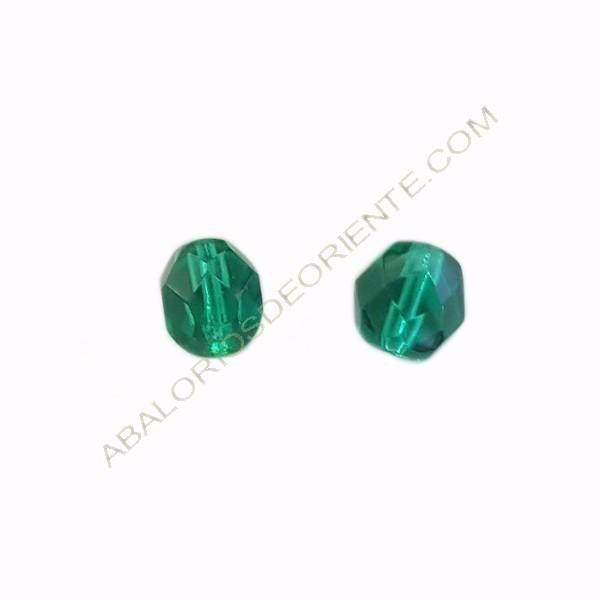 Cristal checo facetado 8 mm verde esmeralda