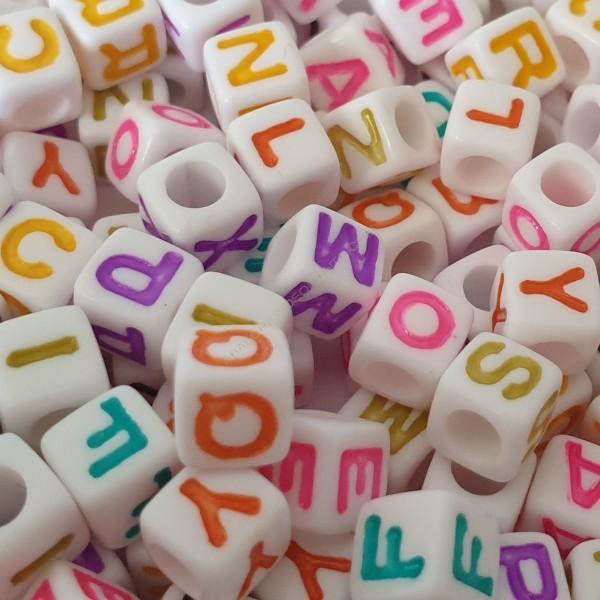 Bolsa de letras cuadradas de colores