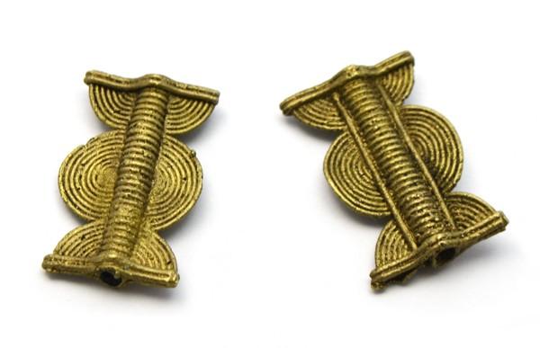 AF43 - Entrepieza de bronce - metal africano